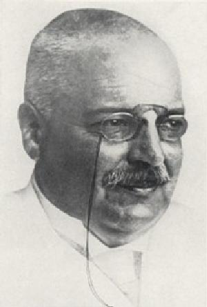 """Alois Alzheimer 003"" by uncredited - http://neurophilosophy.wordpress.com/2006/11/03/100-years-of-alzheimers-disease/. Licensed under Public Domain via Commons - https://commons.wikimedia.org/wiki/File:Alois_Alzheimer_003.jpg#/media/File:Alois_Alzheimer_003.jpg"