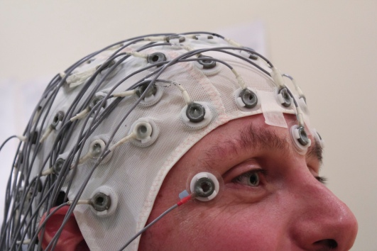 """EEG Recording Cap"" by Chris Hope - http://www.flickr.com/photos/tim_uk/8135755109/. Licensed under CC BY 2.0 via Commons - https://commons.wikimedia.org/wiki/File:EEG_Recording_Cap.jpg#/media/File:EEG_Recording_Cap.jpg"