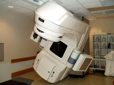 Varian radiation therapy machine. Dina-Roberts Wakulczyk on Flikr. https://www.flickr.com/photos/littlesister/490643515