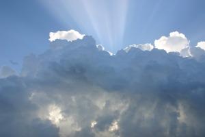 https://pixabay.com/en/sky-clouds-rays-of-sunshine-414199/